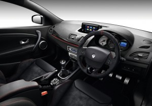 ALCANTARA LEATHER UPHOLSTERY - AUTOMATIC AIR-CONDITIONING - R-LINK SCREEN
